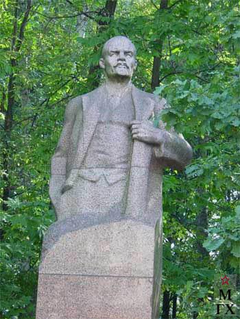 Памятник В.И.Ленину. Лианозовский ...: www.maslovka.org/modules.php?name=Content&pa=showpage&pid=420